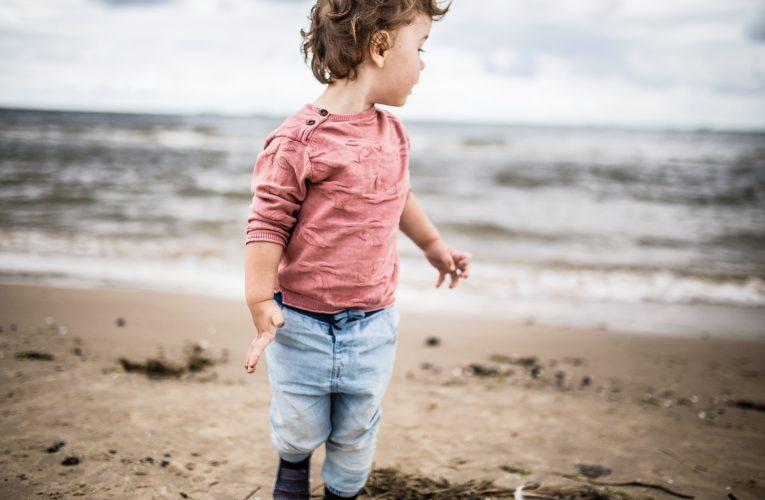 Jakie materiały butów są najlepsze dla stópek dziecka?